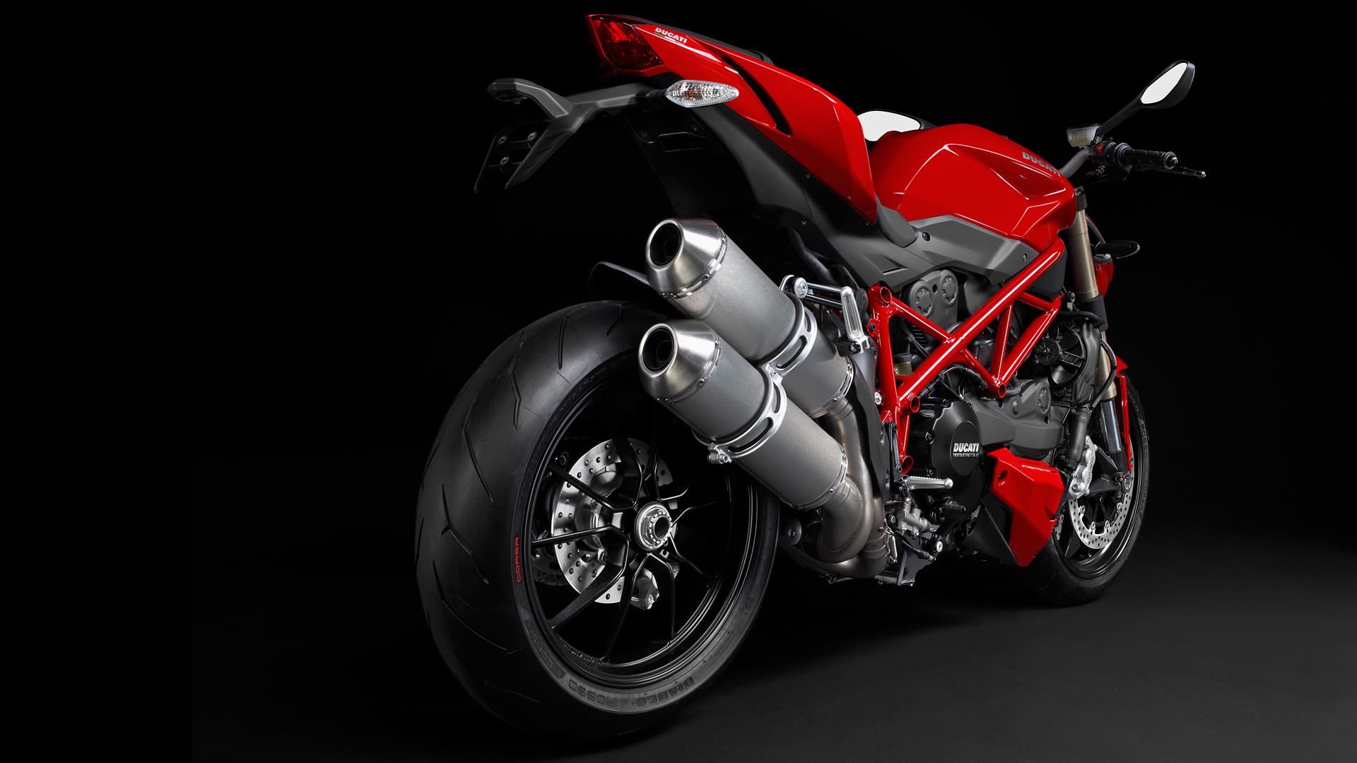 Ducati-Backgrounds-wallpaer-Full-HD-03