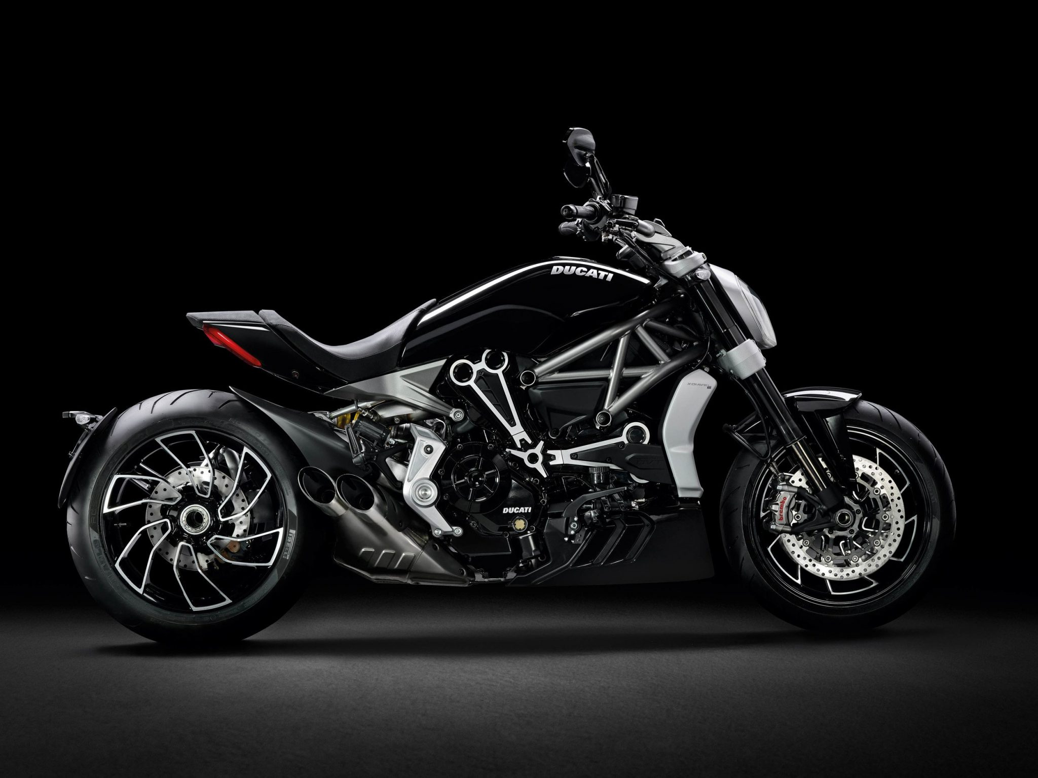 Ducati-Backgrounds-wallpaer-Full-HD-06