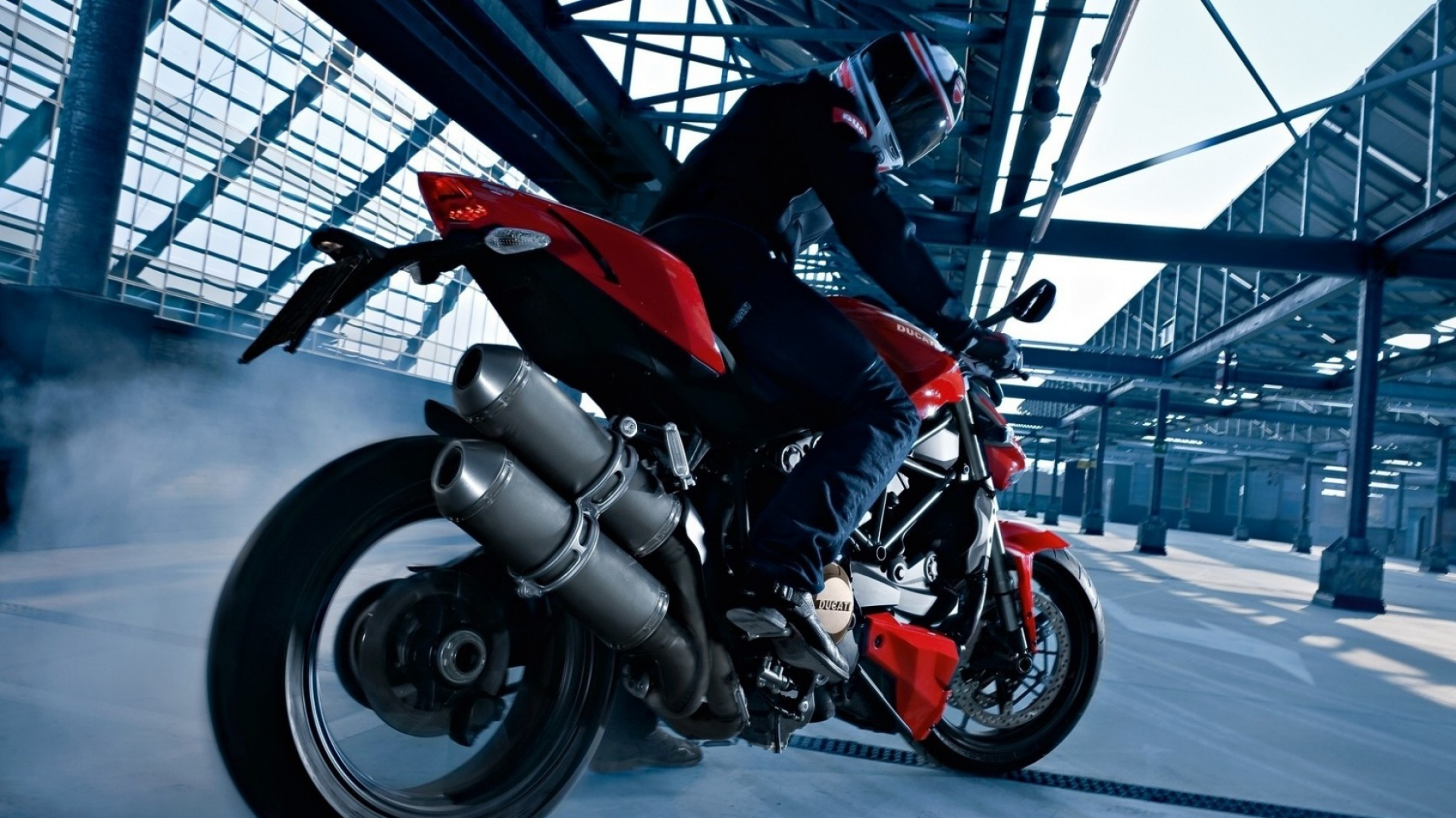 Ducati-Backgrounds-wallpaer-Full-HD-09