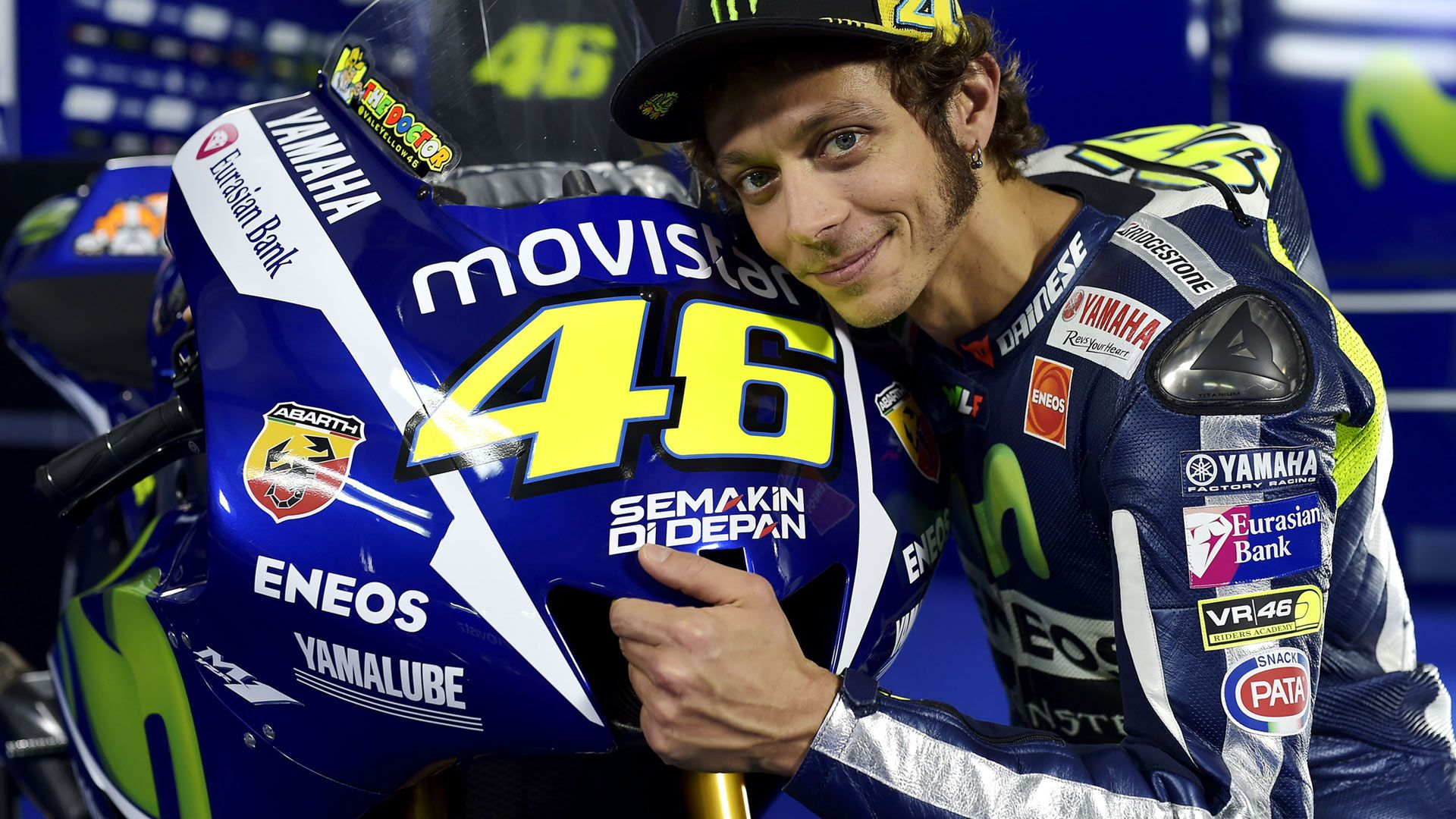 The-Doctor-Valentino-Rossi-Wallpaper-MotoGP-11