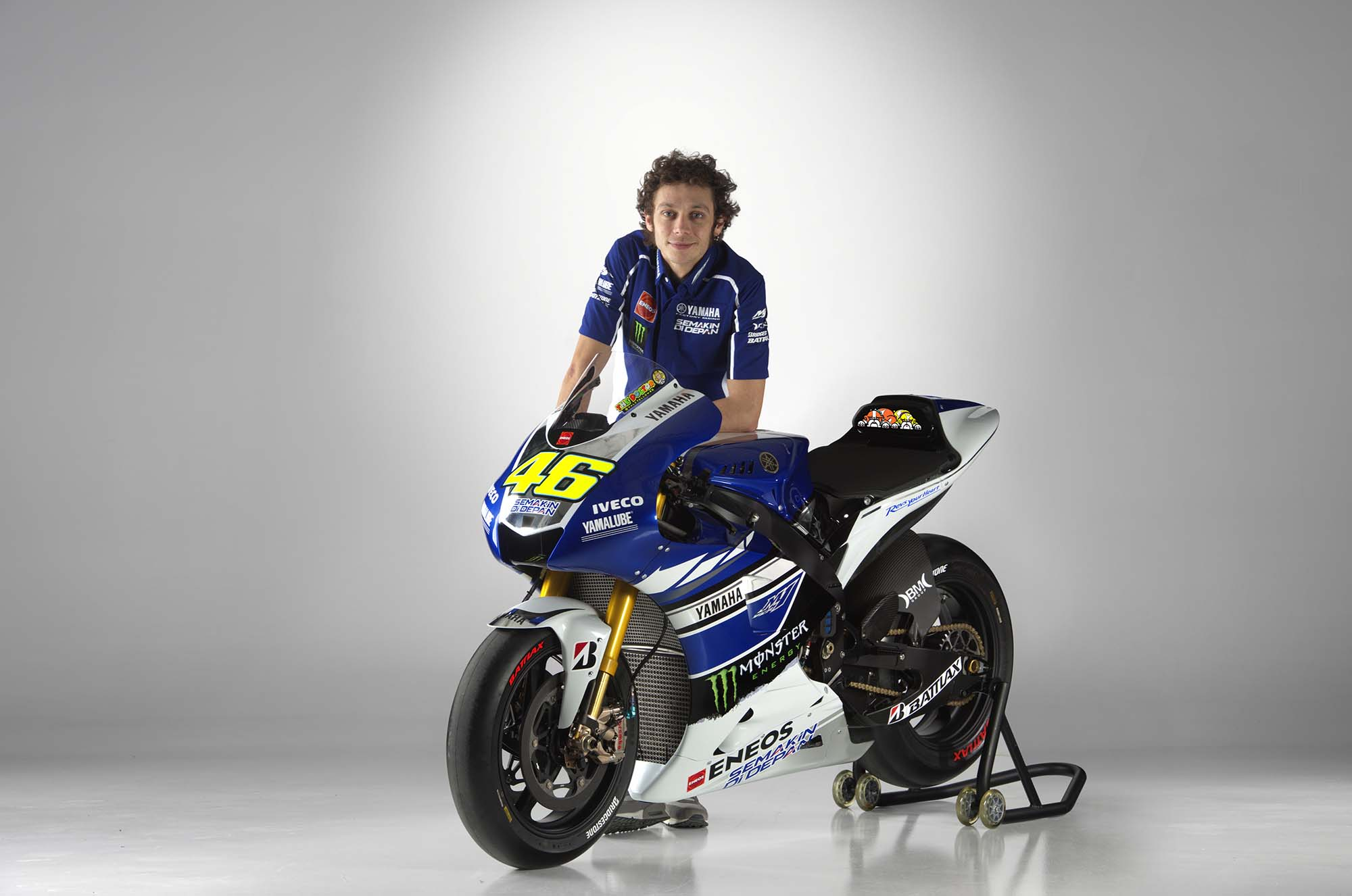The-Doctor-Valentino-Rossi-Wallpaper-MotoGP-13