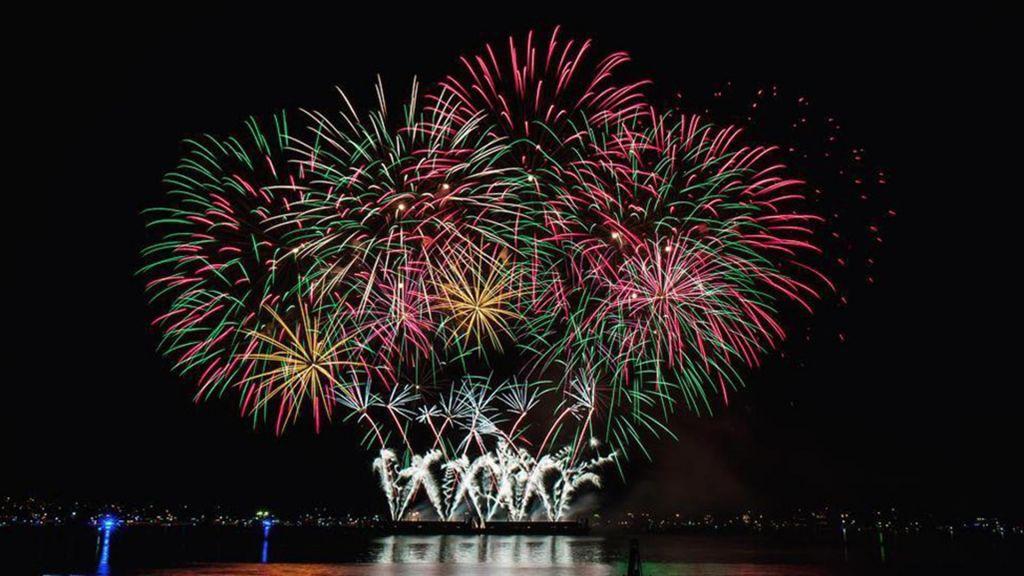 Best 20 Happy New Year Fireworks Wallpaper 2019
